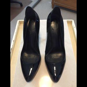 Elie Tahari Black Patent Leather Pump Size 39